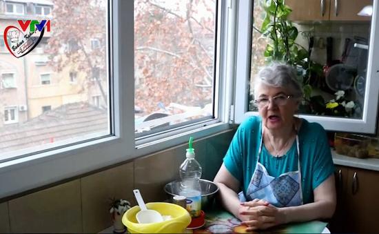 Cụ bà 69 tuổi nổi tiếng với các video dạy nấu ăn