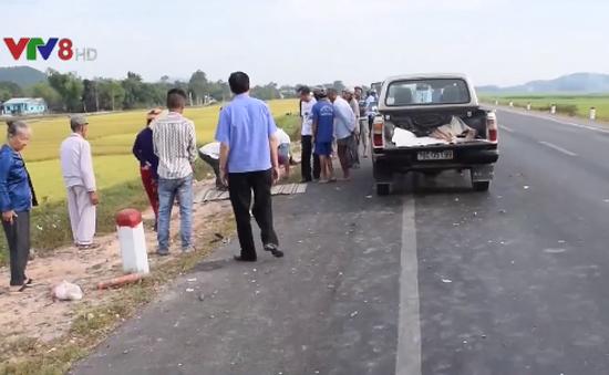 Quảng Ngãi: Xe cấp cứu tông, 2 vợ chồng tử vong