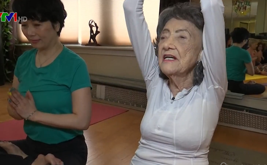 Cụ bà 101 tuổi - Giáo viên Yoga cao tuổi nhất thế giới