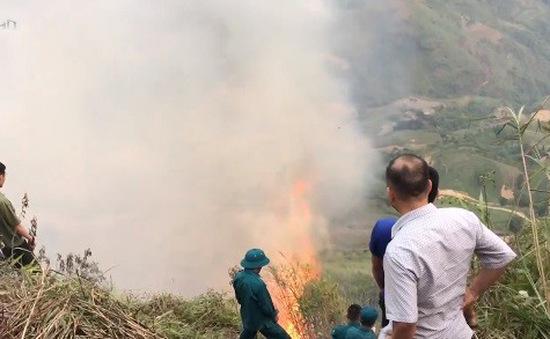 Lào Cai: Cơ bản khống chế vụ cháy rừng ở huyện Si Ma Cai