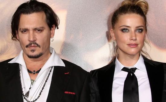 """Johnny Depp bị cáo buộc bắt ép nhà sản xuất """"Aquaman"""" sa thải Amber Heard"""