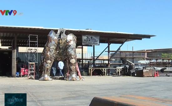 Tác phẩm nghệ thuật nặng 3 tấn làm từ rác tái chế