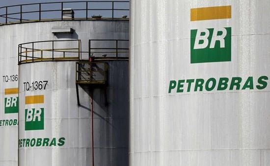 Petrobras bán 8 nhà máy lọc dầu