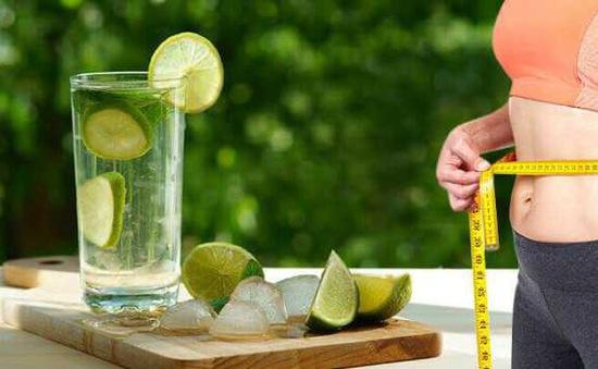 Nguy cơ tổn thương não vĩnh viễn do uống nước trái cây giảm cân sau 3 tuần
