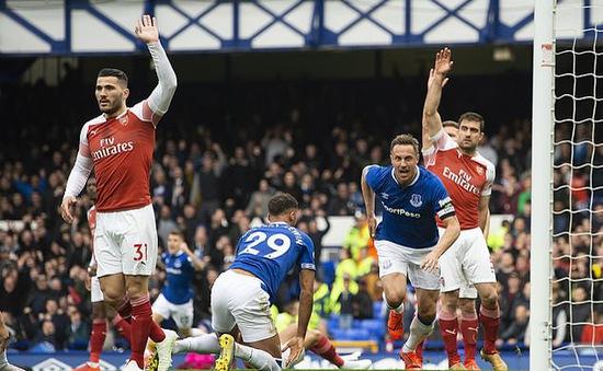 Kết quả bóng đá châu Âu rạng sáng 8/4: Everton 1-0 Arsenal, Napoli 1 - 1 Genoa, Paris Saint-Germain 2 - 2 Strasbourg