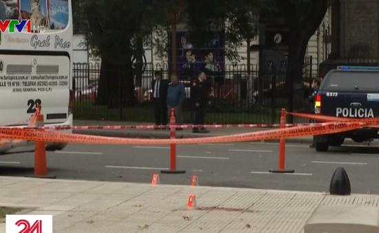 Nghị sĩ Argentina bị bắn ngay bên ngoài tòa nhà Quốc hội