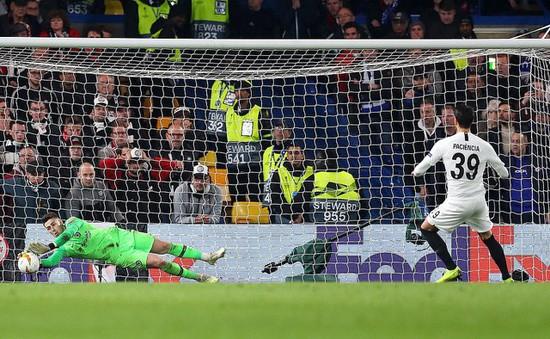 ẢNH: Người hùng Kepa đưa Chelsea vào chung kết UEFA Europa League