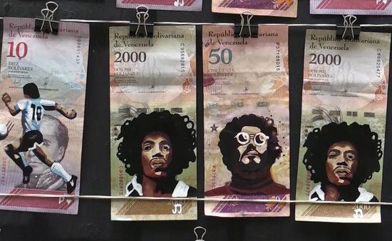 Người Venezuela biến tiền thành tác phẩm nghệ thuật