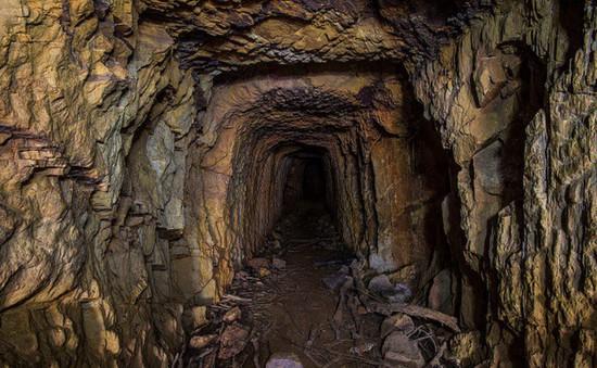 Sập mỏ vàng ở Indonesia, nhiều người thiệt mạng và bị chôn vùi