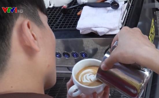 Thi pha chế cà phê chào mừng Festival biển Nha Trang