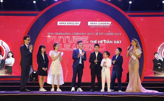 Cầu thủ Nguyễn Quang Hải truyền cảm hứng học tiếng Anh cho các em nhỏ