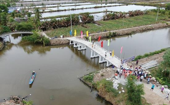 Thêm những nhịp cầu vui ở vùng sông nước