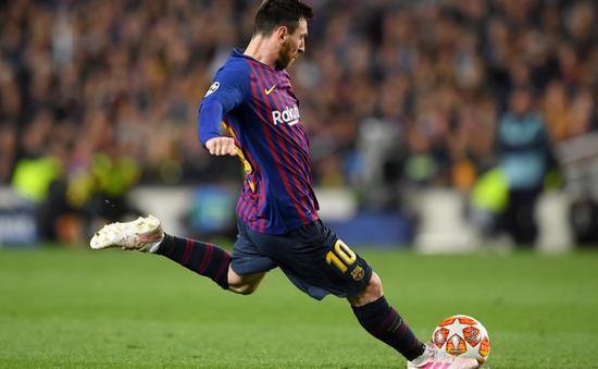 Một tay giúp Barcelona đại thắng Liverpool, Messi lập nhiều thành tích khủng