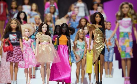 Vinh danh búp bê Barbie trong lĩnh vực thời trang Mỹ