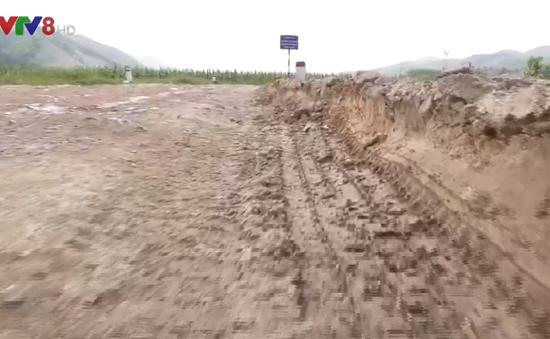 Nỗi lo tai nạn giao thông từ xe chở cát sỏi