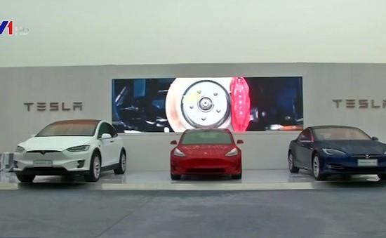 Xe điện Tesla bất ngờ rơi vào tâm bão khủng hoảng