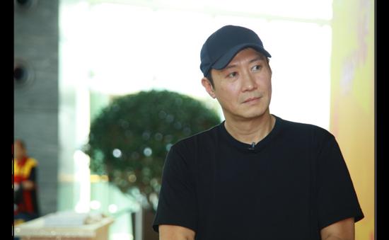 Leo 50 tầng, kiếm 3,1 triệu đô la Hong Kong, Lê Minh khiến khán giả ngưỡng mộ
