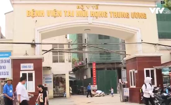 Bệnh viện Tai mũi họng Trung ương bất lực trước tình trạng cò mồi lừa đảo