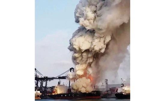 Thái Lan: Cháy tàu chở hàng, 25 người bị thương