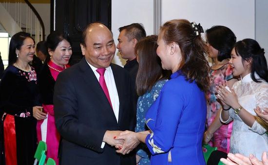Thủ tướng Nguyễn Xuân Phúc gặp cộng đồng người Việt Nam tại Na Uy