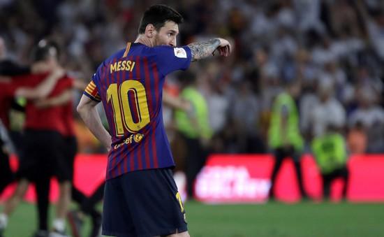 Chưa bao giờ Messi đơn độc tới vậy ở Barcelona