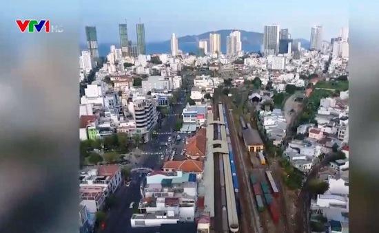 Có nên di dời các ga xe lửa ra khỏi trung tâm?