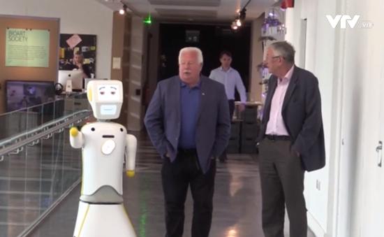 Ireland phát triển robot chống lại sự cô đơn của người già