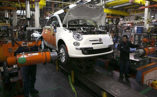 Pháp kêu gọi ủng hộ thương vụ sáp nhập Renault - Fiat