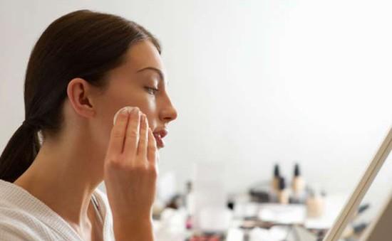 7 công dụng tuyệt vời của sáp vaseline đối với phái đẹp