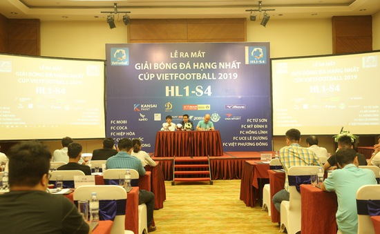 """10 đội bóng """"phủi"""" tranh tài tại Giải Bóng đá hạng Nhất - Cúp Vietfootball 2019"""