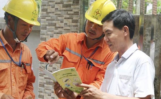 Thủ tướng yêu cầu kiểm tra điều chỉnh mức giá bán điện