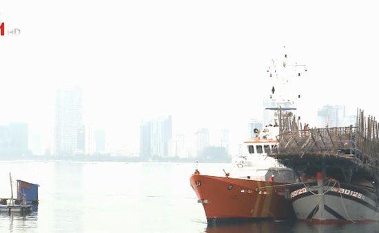 Đưa tàu và 52 ngư dân gặp nạn về đất liền an toàn