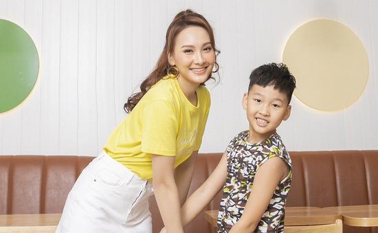 Bảo Thanh lần đầu rủ con trai làm người mẫu