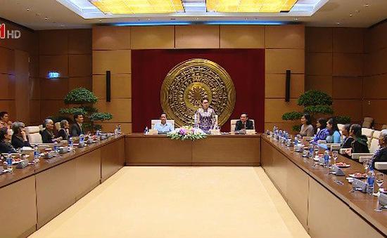 Chủ tịch Quốc hội gặp mặt Đội quân tóc dài tỉnh Bến Tre