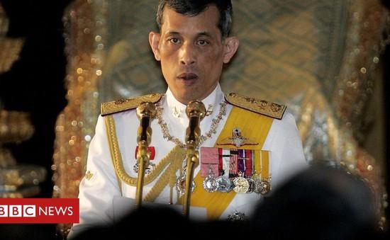 Nhà vua Thái Lan Maha Vajiralongkorn đăng quang