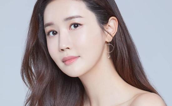 """""""Nữ hoàng dao kéo"""" Lee Da Hae phủ nhận tin đồn tiếp tục chỉnh sửa nhan sắc"""