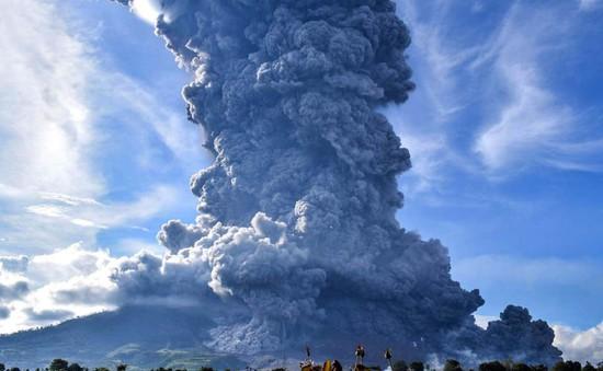 Indonesia cảnh báo núi lửa hoạt động phức tạp