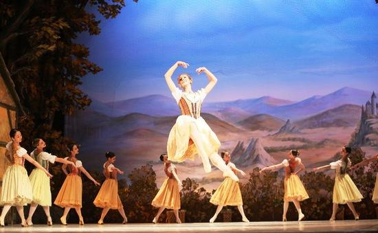 """Công diễn vở ballet """"Giselle"""" nhân kỷ niệm Quốc khánh LB Nga"""