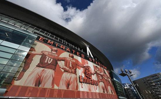 Sân Emirates gặp vấn nạn đáng báo động về chuột