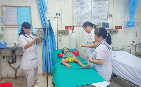 Bé gái 3 tuổi sốc phản vệ sau khi bị... kiến đốt