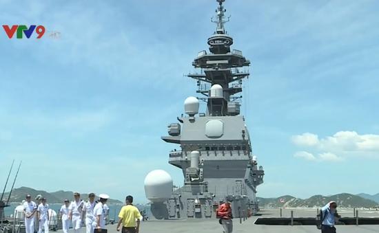 Hai tàu hộ vệ trực thăng của Nhật Bản thăm cảng quốc tế Cam Ranh