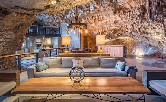 """Khách sạn triệu """"đô"""" xây trong hang động"""