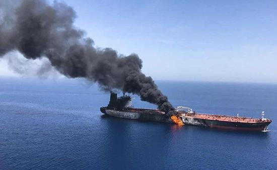 Tranh cãi về vụ tấn công trên Vịnh Oman