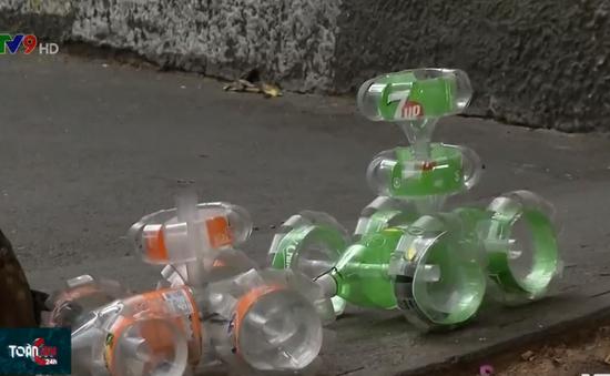 Người dân Venezuela kiếm tiền từ sản phẩm tái chế