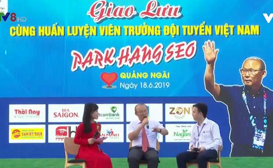 HLV Park Hang Seo giao lưu với người hâm mộ tại Quảng Ngãi