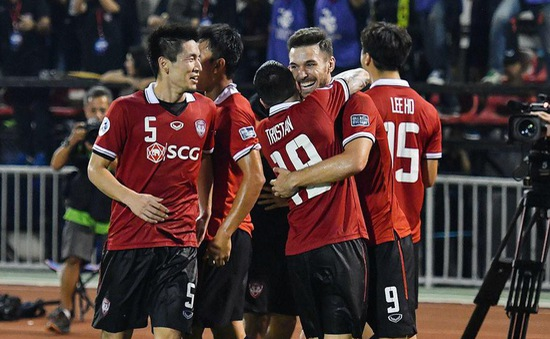 Văn Lâm giữ sạch lưới, Muangthong thắng đậm ở Thai League