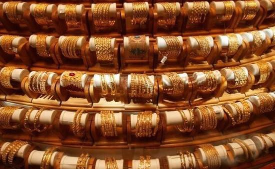 Giá vàng thế giới tăng lên mức cao nhất trong gần 6 năm