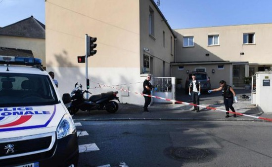 Nổ súng tại nhà thờ Hồi giáo ở Pháp