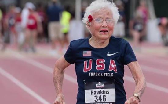 Cụ bà 103 tuổi phá kỷ lục chạy bộ ở nước Mỹ