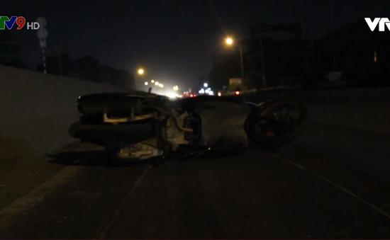 Bình Dương: Xe container cán chết 2 người trên Quốc lộ rồi bỏ chạy